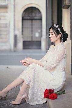 밀크코코아 감성화보 : 네이버 블로그 Modern Fashion Outfits, Fashion Dresses, Asian Style Dress, Beautiful Asian Girls, Runway Fashion, Women's Fashion, Korean Girl, Korean Fashion, Cute Girls