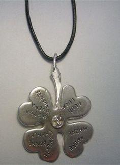 talismanes amuletos y símbolos | trébol de plata