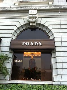 Prada shop in Hong Kong. Wayfinding Signage, Signage Design, Shop Till You Drop, Window Art, Store Fronts, Visual Merchandising, Go Shopping, Prada, Italy