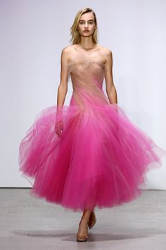 Runway #style review: Oscar de la Renta's pop art and thank you notes | Nude and pink cotton candy tulle midi dress | The Luxe Lookbook