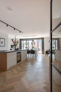 www.lifs.nl #lifs #interior #interiordesign #interieuradvies #3D #ontwerp #visgraat #maatwerk #lamp