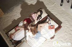 """[D하인드] """"새해 B컷 받으세요""""…소녀시대, 2015 완전체 화보 : 네이버 뉴스"""