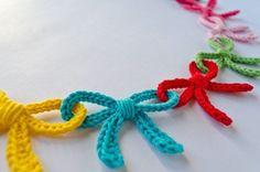 bow crochet bunting, crochet inspiration