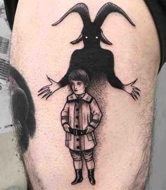 26 Eerily Creepy Tattoos - Thinks Tatto Acab Tattoo, Skink Tattoo, Dark Tattoo, Tattoo Sketches, Tattoo Drawings, Body Art Tattoos, Sleeve Tattoos, Ship Tattoos, Arrow Tattoos
