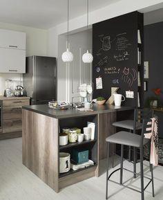 Un îlot de cuisine pratique et compact qui s'adapte à vos besoins