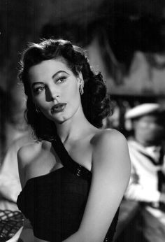 As long as i know how to love i will stay alive Ava Gardner Hollywood Icons, Old Hollywood Glamour, Golden Age Of Hollywood, Vintage Glamour, Vintage Hollywood, Hollywood Stars, Vintage Beauty, Hollywood Actresses, Classic Hollywood