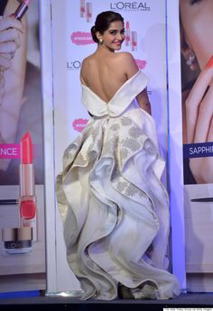 Sonam Kapoor Stuns In White Dress At L'Oreal Paris Event | The Huffington Post Canada Style