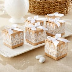 Rustic & Lace Kraft Favor Box | #exclusivelyweddings