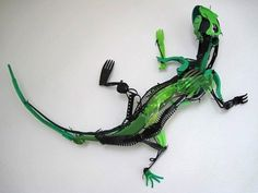 Awesome lizard sculpture made from recycled plastics!