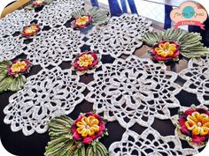 Arts Mabú Crochet: Learn to make Path Table with Flower Full of Charm