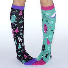 1dfe1e295fbb2 Black & Green Holiday CHRISTMAS XMAS SOCks PACK OF 3 SINGLE SOCKS  (4-9years): Amazon.co.uk: Clothing