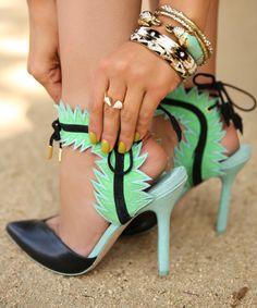 Those shoes !!! @}-,-;--