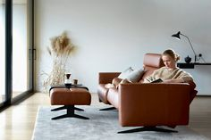 Homeplaza: Entspannung auf Relaxmöbeln von Ekornes Stressless Cost Of Goods, Stress Less, 2 Seater Sofa, Best Sofa, Close Your Eyes, Isle Of Wight, Leather Sofa, Floor Chair, Recliner