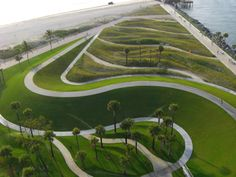 Image 6 of 14 from gallery of South Pointe Park / Hargreaves Associates. Courtesy of  hargreaves associates