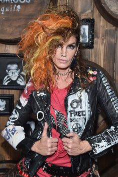 Cindy Crawford Photos Photos - Model Cindy Crawford arrives to the Casamigos Halloween Party at a private residence on October 28, 2016 in Beverly Hills, California. - Casamigos Tequila Halloween Party