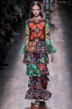 Valentino womenswear, spring/summer 2015, Paris Fashion Week repeat pattern in this dress . and orange , green , black .. is my color palette too