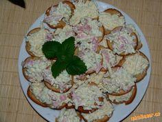 Exkluzivní nivová (hermelínová) pomazánka Czech Recipes, Ethnic Recipes, Potato Salad, Food And Drink, Salsa, Appetizers, Cheese, Cooking, Spreads