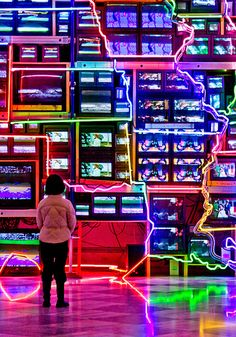 """Nam June Paik / """"Electronic Superhighway"""" / 1974 / Sculpture / He worked with a variety of media and is considered to be the founder of video art. Op Art, Nam June Paik, Neo Dada, Modern Art, Contemporary Art, Fluxus, Art Nouveau, Neon Lighting, Light Art"""