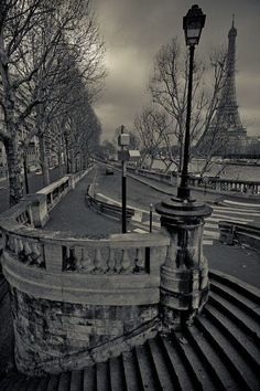 Paris. lovely haunting picture...