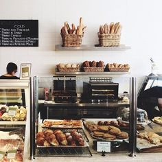 19 Decadent Pastry Shop Designs - From Bakery-Inspired Boutiques to Industrial Ice Cream Shops Bakery Cafe, Bakery Store, Mein Café, Restaurant Bar, Bakery Display, Bread Display, Bread Shop, Cafe Bistro, Sandwich Shops