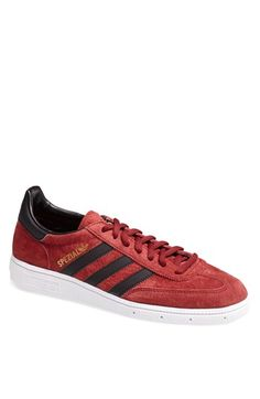 Classic Addidas Sneakers
