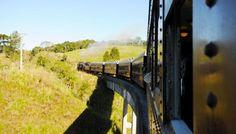 Você sabia que é possível fazer passeios incríveis e conhecer belas paisagens em viagens de trem pelo Brasil? Confira nossas dicas!
