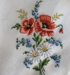 Antique Style: Hanky Primer Embroidered and Petit Point Hankies - Stickerei Ideen Hand Embroidery Patterns, Ribbon Embroidery, Floral Embroidery, Cross Stitch Embroidery, Cross Stitch Patterns, Bordados E Cia, Sewing Art, Embroidered Flowers, Yarn Crafts
