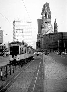 Letzte Straßenbahnlinie, Nähe Breitscheidplatz, Charlottenburg, 1966