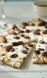 PIZZA DE UVAS Y QUESO TALEGGIO (taleggio and grape pizza) #recetas #recipes