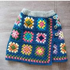 Hand-knitted skirt models for girls 2018 - girls and boys ., Hand-knit skirt models for girls 2018 - knitting patterns for girls and boys # for kids # for kids Knitting For Kids, Baby Knitting Patterns, Hand Knitting, Crochet Patterns, Skirt Patterns, Poncho Au Crochet, Knit Crochet, Granny Square, Handmade Skirts