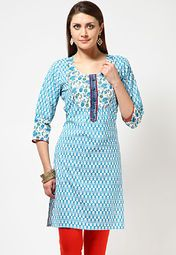 Anahi offers a blue coloured kurta for women. Made of cambric, this regular-fit, printed kurta has knee length, 3/4th sleeves and a round neck.