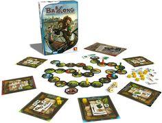 En Bakong los jugadores son audaces aventureros en busca de magníficas esmeraldas en la jungla de Camboya.  Equipados con su mochila y su valentía, tienen que intentar abrirse paso por la jungla, evitando obstáculos y trampas. Pero la jungla es traicionera y siempre cambiante y no es tarea fácil encontrar un camino que esté libre de peligro.  El objetivo es llegar al templo de Bakong desde el campamento base y volver de nuevo tan rápido como sea posible, trayendo de vuelta muchas esmeraldas. Monopoly, Base, Goal, Emeralds, Cambodia, Kid Games, Camping, Temple, Backpack