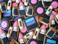 I was working on an order for five dozen mini makeup cookies and decided to keep it simple. The problem with keeping it simple is the. Fancy Cookies, Iced Cookies, Cut Out Cookies, Cute Cookies, Sugar Cookies, Mini Cookies, Make Up Torte, Make Up Cake, How To Make Cookies