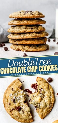 You can now enjoy this famous and iconic cookie in the comfort of your own home! Doubletree Cookies is loaded with chocolate chips and oats. These legendary chocolate chip cookie also has a couple of secret ingredients up its sleeve. Want to know more? Pin this perfect holiday cookie! Chocolate Cake Recipe Easy, Chocolate Chip Recipes, Chocolate Desserts, Chocolate Chips, Chocolate Chip Cookies, Easy Holiday Recipes, Easy Cookie Recipes, Baking Recipes, Thanksgiving Desserts