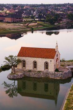 Bella Donna Chapel - McKinney.  A very popular wedding and bridal session spot.