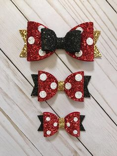 This listing is for a Disney Inspired Minnie Mouse Hair Bow. Choose between Small, Medium or Large. Large measures approx 5.25 Medium Measures approx 4.0 Small Measures approx 3.0 The bow arrives attached to a Buns & Braids display card so its great for gifting. Bow can be used in