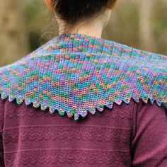 Stegosaurus Shawl - knotions Crochet Shawl, Free Crochet, Knit Crochet, Darning, Finger Weights, Stockinette, Double Crochet, Crochet Projects, Crochet Patterns