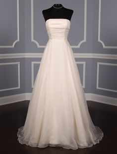 This Authentic Justina Bridal Victoria gown is extremely elegant! The tiny pearl trim & Swarovski crystal buttons are the perfect details. If you like, you can add an embellished or non-embellished sash to this gown. Anne Barge Wedding Dresses, Wedding Dress Chiffon, Wedding Dresses For Sale, Gorgeous Wedding Dress, Beautiful Dresses, Discount Designer Wedding Dresses, Designer Dresses, Bridal Gowns, Wedding Gowns