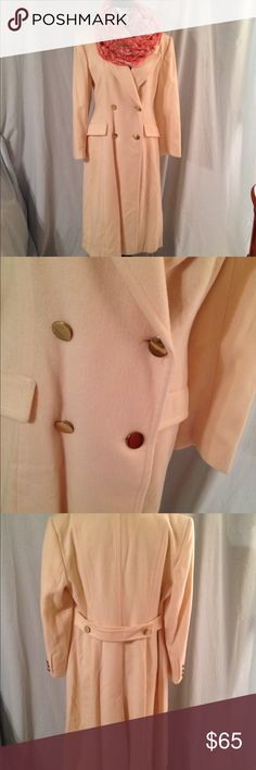 Vintage 100% Wool Evan-Picone Trench Coat Cream-colored Evan Picone 100% wool trenchcoat. Size 12. Satin lining inside. Double-breasted. Pockets in the front. In very good condition considering that it's vintage does have a couple of spots that need very little cleaning. but other than that it's in great condition Evan Picone Jackets & Coats Trench Coats