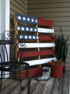 Pallet flag for front porch.
