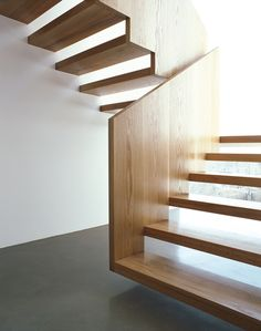 Clever how this wooden stair case floats | Architekten Stephan Marx & Elke  Ladurner | Laces, Italy