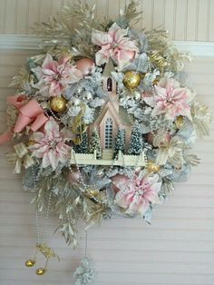 Love this. Somebody please make one for me. Perfect for my sewing room Christmas decorating.