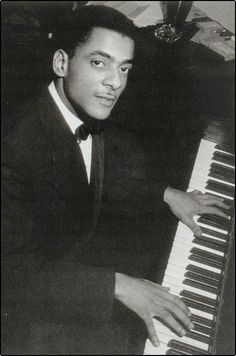 Swing jazz pianist Teddy Wilson was born today 11-24 in 1912. He was a featured pianist with some of the big names in music like Louis Armstrong, Leana Horn, Benny Goodman, Billy Holiday and Ella Fitzgerald. He was an early musician to appear prominently with white musicians in bands when those were still largely segregated. He passed in 1986.