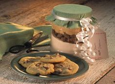 Try this Classic MINI KISSES Cookies (Cookie Mix In A Jar) recipe, made with HERSHEY'S products. Enjoyable baking recipes from HERSHEY'S Kitchens. Bake today.