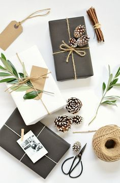 Spice up your gifts this year with kraft paper. It's recyclable and it matches everything. Looks beautiful plain or you can customize it with some of the below ideas.Enjoy! Black kraftwrapping pa…
