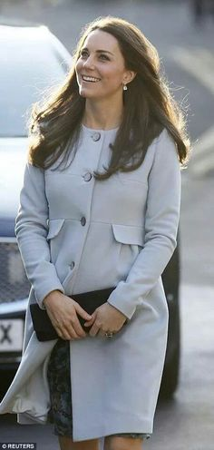 Kate out today looking pretty in blue :)