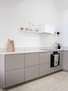 Grey beige greige minimalist kitchen with Caearstone worktops - Design Minimal Kitchen Design, Modern Grey Kitchen, Beige Kitchen, Kitchen Room Design, Home Decor Kitchen, Interior Design Kitchen, New Kitchen, Home Kitchens, Kitchen Ideas