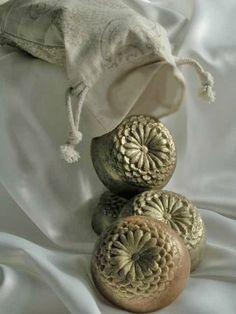 Goat Milk Soap Spice Flowers by SweetMeadowsBotanica on Etsy Savon Soap, Soap Tutorial, Luxury Soap, Soap Bubbles, Bath Soap, Soap Packaging, Perfume, Goat Milk Soap, Soap Molds