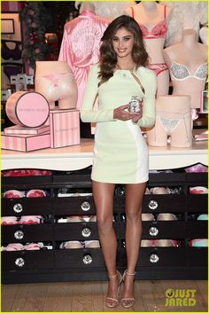 taylor hill victoria's secret | Victoria's Secret Model Taylor Hill: 'I Didn't Exist' Back in High ...