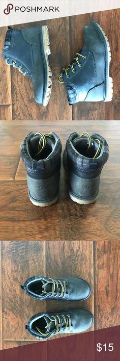 Boys Oshkosh Bgosh grey construction boot Boys size 11, Oshkosh B'gosh grey work boot, good used condition, worn a handful of times, warm for fall/winter months, plaid detail around back of shoe, lace up, sturdy and comfortable OshKosh B'gosh Shoes Boots
